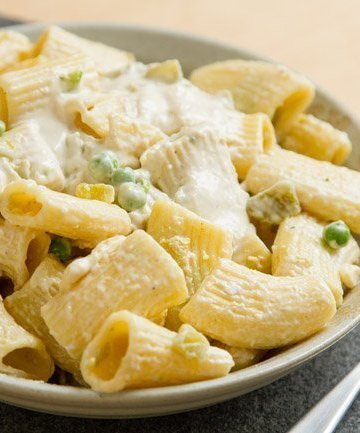 Easy Nacho Pasta - it's nacho ordinary dinner! It's super easy and super delicious http://lifecurrentsblog.com