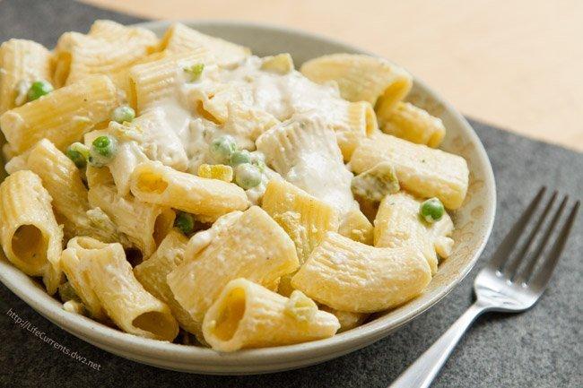 Easy Nacho Pasta - it's nacho ordinary dinner! It's super easy and super delicious https://lifecurrentsblog.com