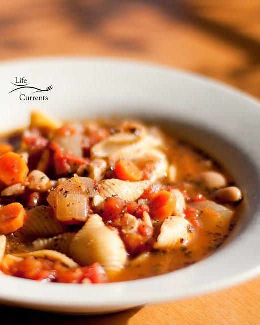 Pasta e Fagioli Soup {pasta and beans soup} recipe