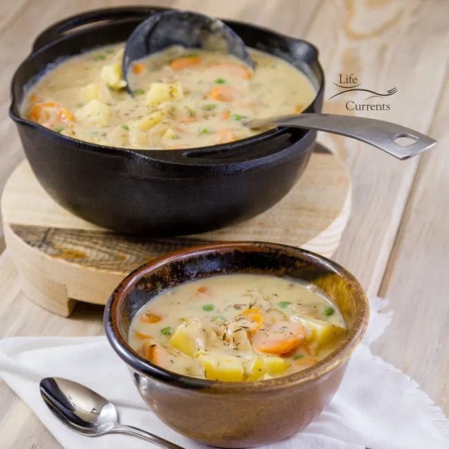 Mom's Vegetarian Pot Pie Soup