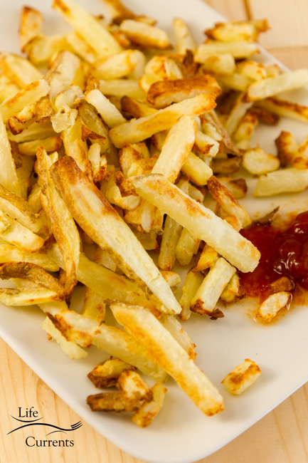 October is Tailgating Snacks Month 2017 - Oil-Free Oven French Fries Recipe These Oil Free French Fries are so good! Crispy on the outside, soft on the inside.