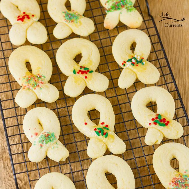 Berliner Kranz Cookies Recipe cooling on a cookie rack