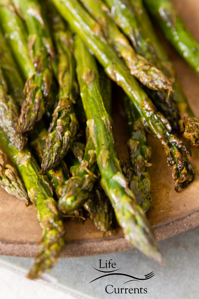 How to Roast Asparagus I love asparagus simply prepared with a little oil, some salt and pepper, and roasted so it's tender and flavorful.