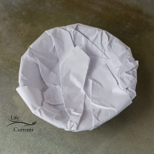 How to Make a Scroll Bowl using the 3Doodler - wrap the bowl in paper - top of bowl