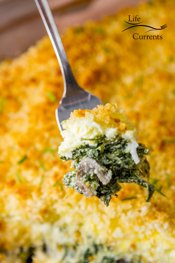 Spinach Mushroom Gratin - a delicious and easy to make cheesy side dish casserole that's filled with good for you veggies