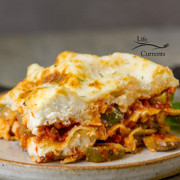This beautiful veggie filled Vegetarian Vegetable Lasagna Recipe is so good you won't miss the meat #meatlessMonday #lifecurrentsblog