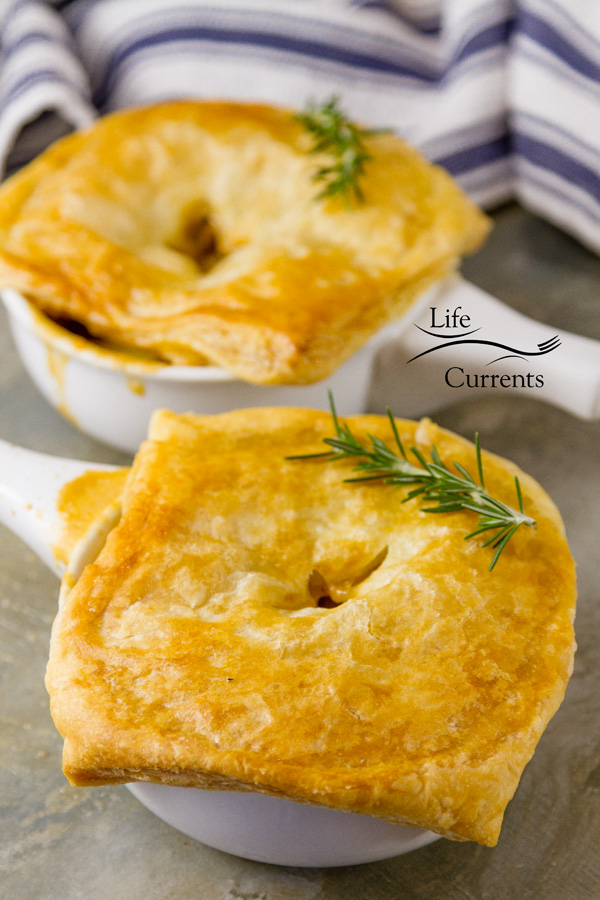 Sausage and Potato Pot Pie Recipe for delicious comfort food that can be vegetarian or meaty