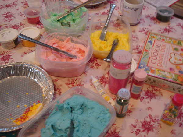 Aunt Lois' Frosting at a cookie decorating party