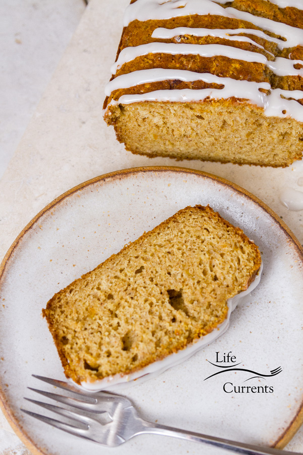 Orange Marmalade Bread with Maple Icing Great for breakfast with a lovely cup of coffee, as a light dessert in the evening, or even a nice mid-day snack with a cup of tea.