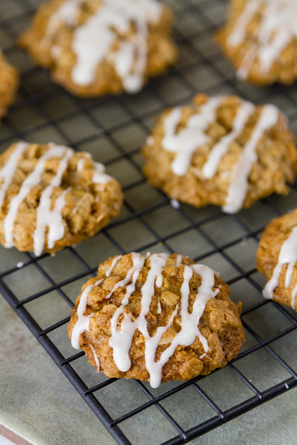 eggnog oatmeal cookies on a cooling rack