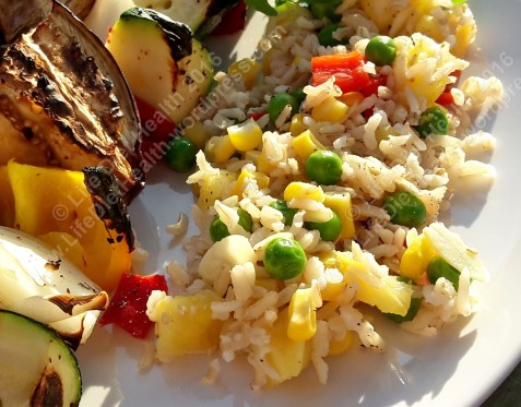 Vegetable kebabs with tropical rice