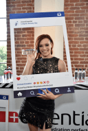 j-sutta-colgate-optic-beauty-bar-2016-grammys