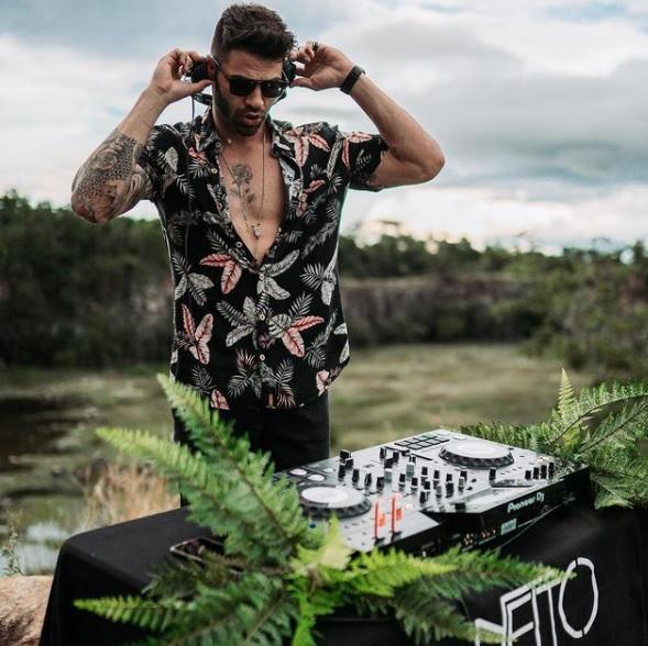 Netto anuncia turnê internacional pelos EUA