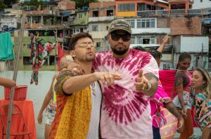 O Funk junto ao pop latino em CALIENTE