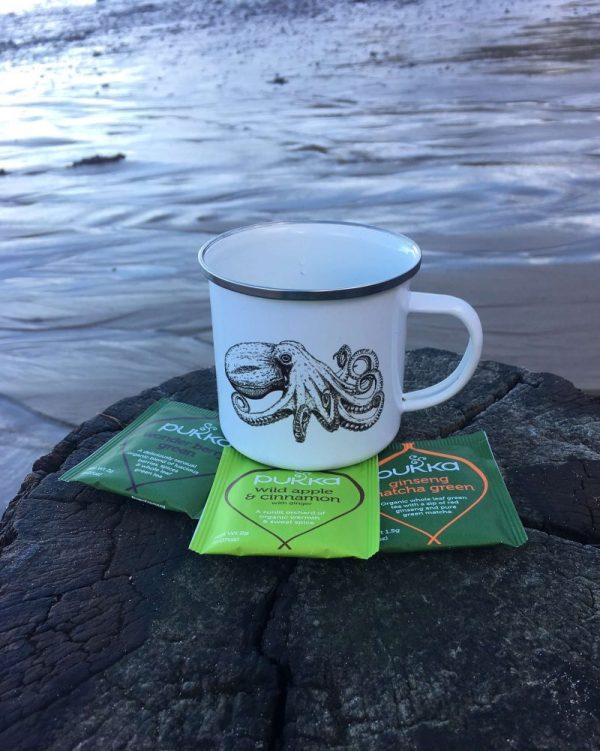 Curled Octopus Enamel mug