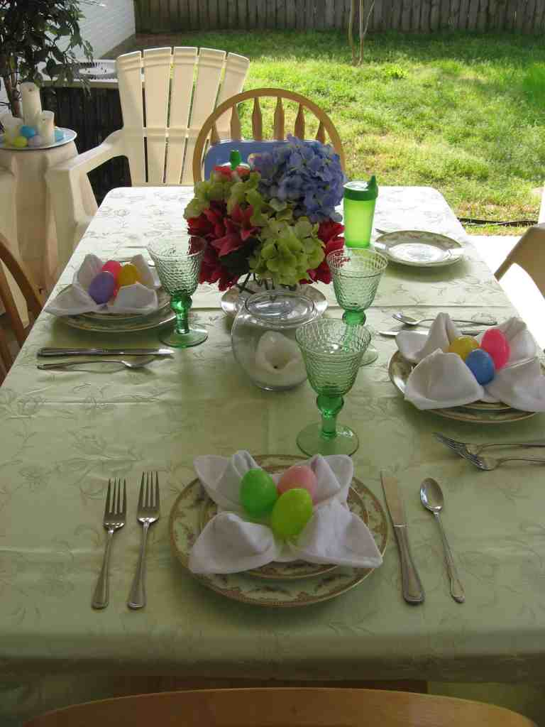 Life Full and Frugal/The Art of Napkin Folding