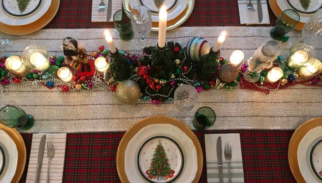 Louisiana Christmas table setting/life full and frugal