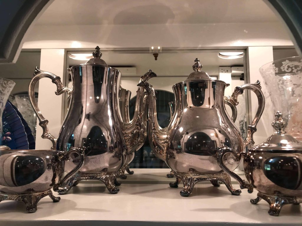 Life Full and Frugal / Summer Living Room Makeover / antique silver coffee set
