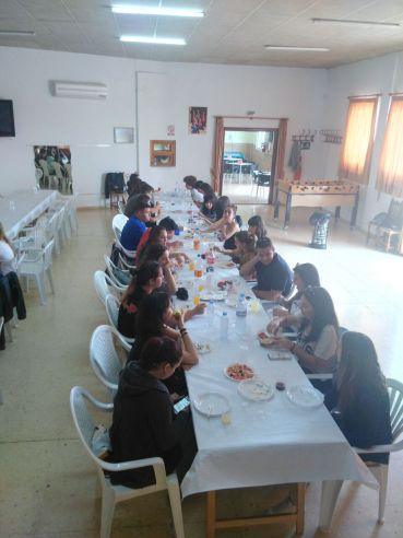 Comida en el Salón Social de la AAVV de Tallante