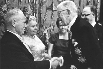 Вручение Нобелевской премии Шолохову в 1965 году