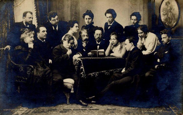Коллектив МХАТа первыми поставили пьесы Чехова