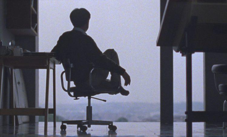 """кадр из фильма """"Тони Такитани"""" по рассказу Мураками """"Тони Такия"""""""