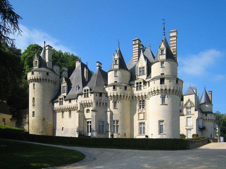 замок Юссе на Луаре, Шарль Перро, Спящая красавица