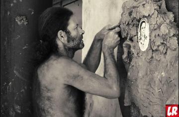 Скульптор, Борис Чак, автор барельефов