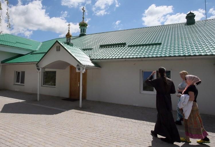 Мгарский монастырь, история Мгарского монастыря, подворье