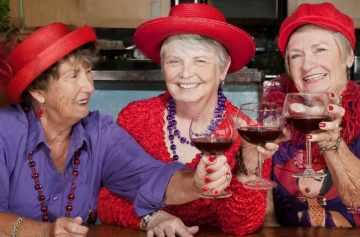фишки дня, день красных шляпок