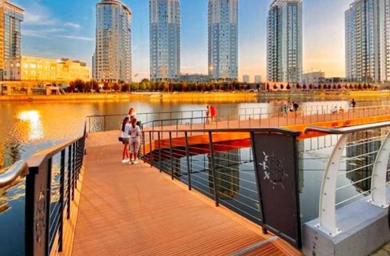 Киев, набережная River mall