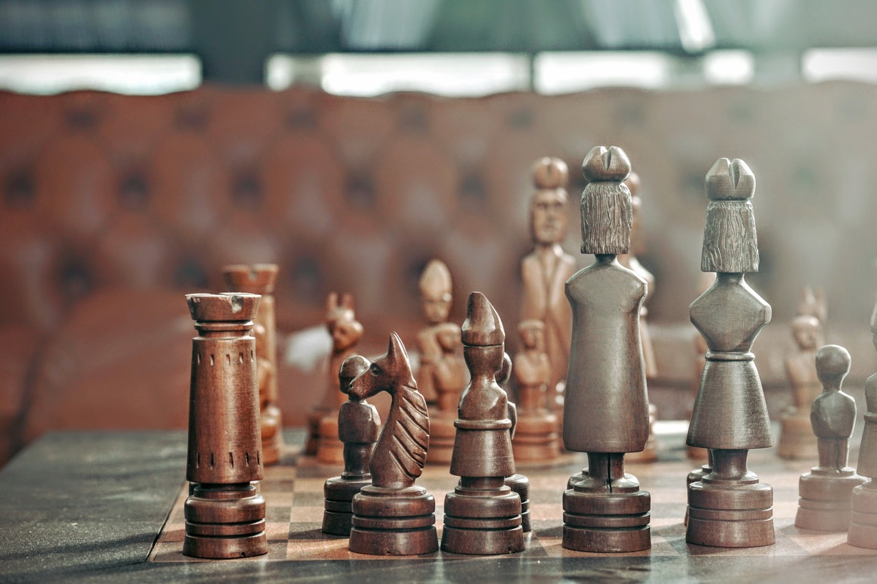 10 LIFE LESSONS FROM CHESS