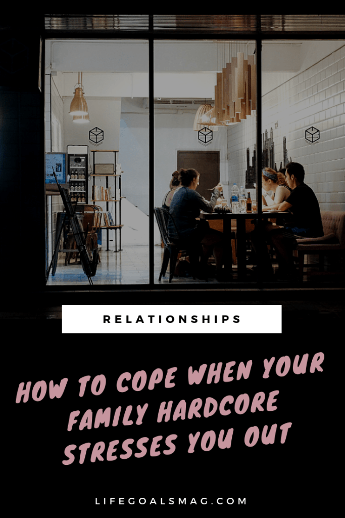 how to handle a stressful family situation. tips for communicating with family and deal with disagreements in a non-toxic, healthy way. #family #holidays