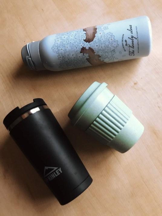Kubki termiczne i termos zamiast kubków plastikowych lub papierowych (zawsze z domieszką plastiku).