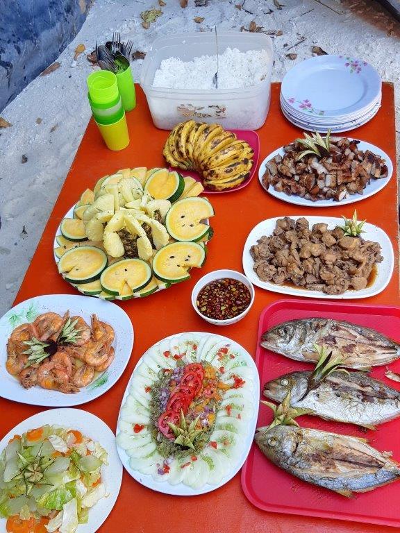 Pietų stalas El Nido salų ture