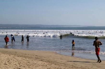 Crowd Kuta beach