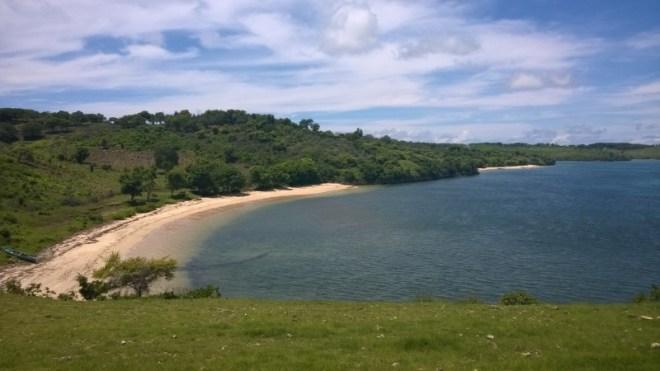 Tangis-Pink beach