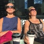Mer kompishäng i solen, med en på högre höjd