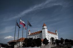 Copie de Copie de chateau de bratislava (drapeau)