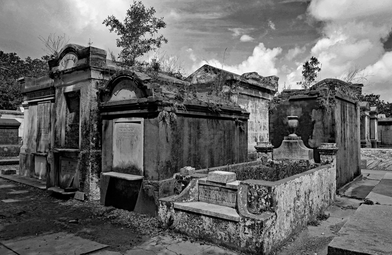 Row of tombs B and W