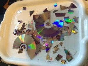 Turn Your Old CDs into Art - Life in Notions