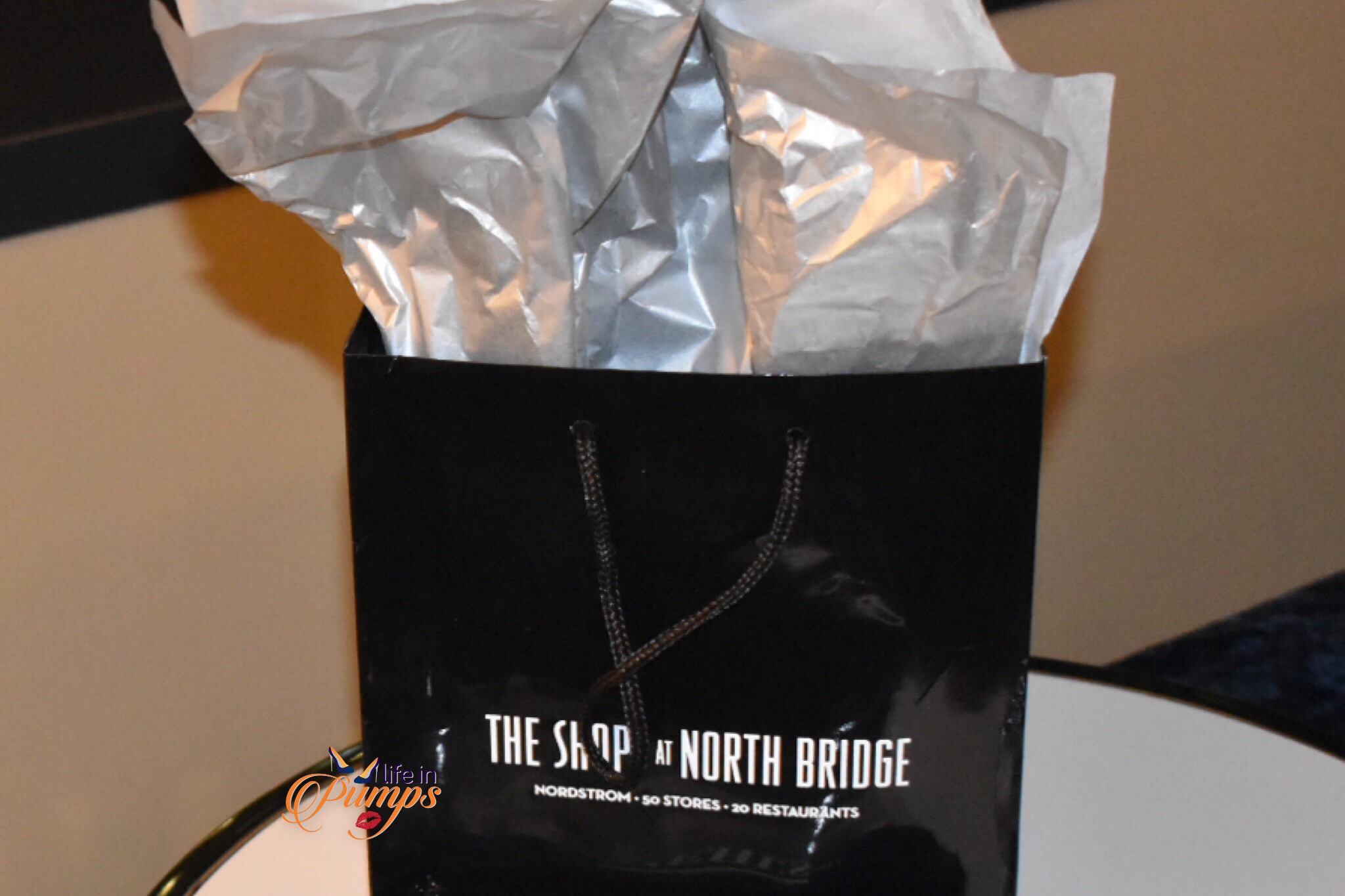 SHops at North Bridge bag, #LifeinPumps, #Choosechicago
