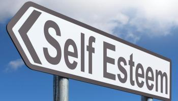 BOOST SELF-ESTEEM: A COMPLETE GUIDE IN 14 SIMPLE STEPS