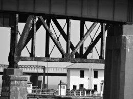 rail trestle lock Oswego BW