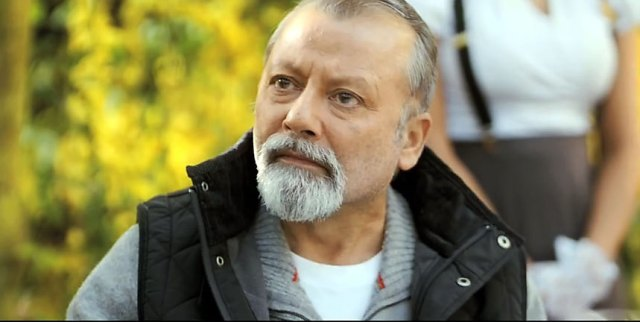 Even the superb Pankaj Kapur can do only so much.