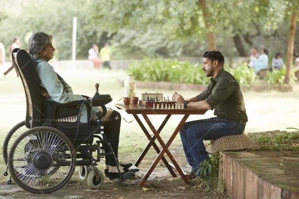 Amitabh Bachchan, Farhan Akhtar - the grandmaster and the chessmaster