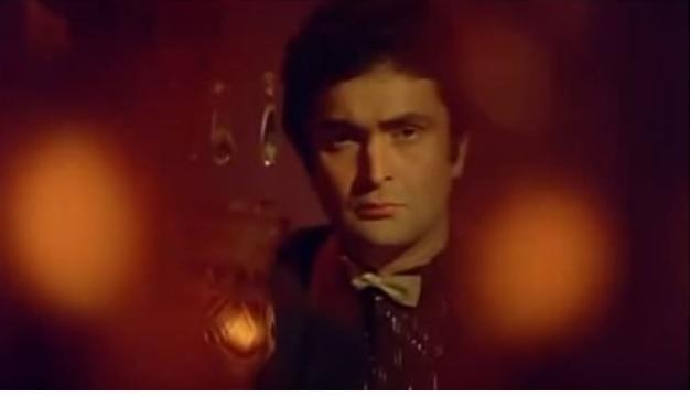 Rishi Kapoor - looking worried