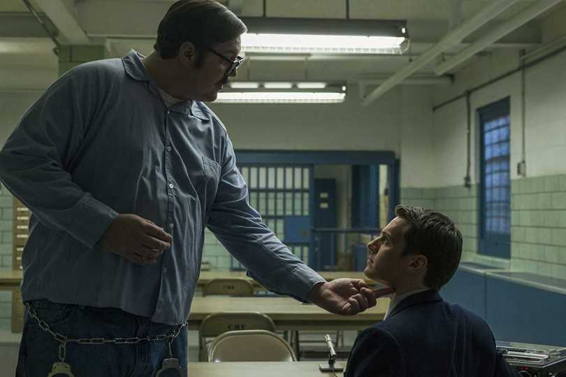 Jonathan Groff, Cameron Britton - that's how you cut a neck