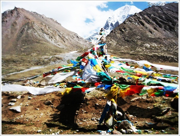 Mount Kailash-Flags