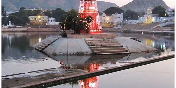Around the Holy Pushkar Lake in Rajasthan